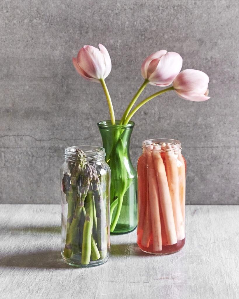 asperges marinés avec tulipes